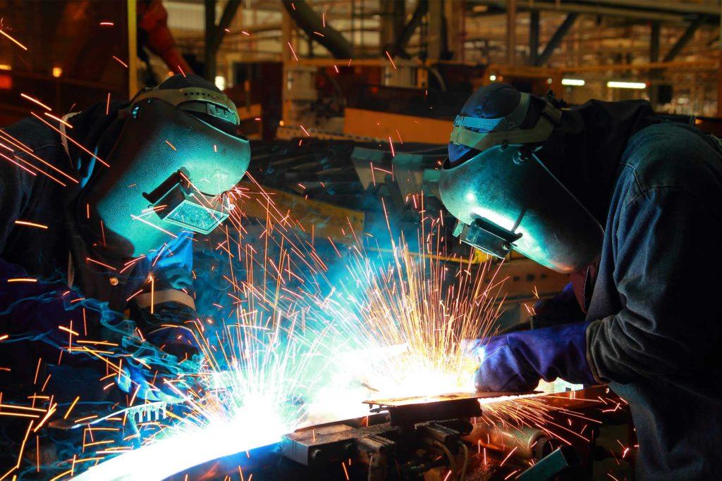Acompanhamento e inspeção de soldagem industrial